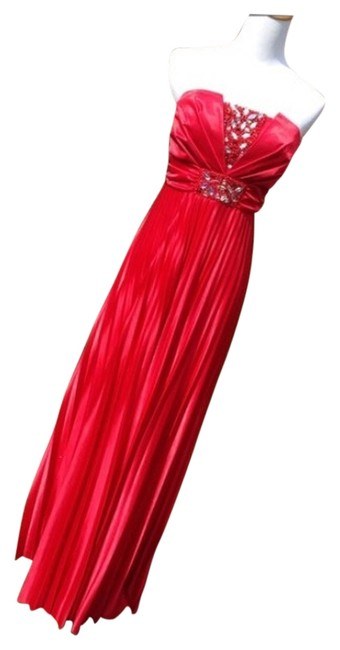 Preload https://img-static.tradesy.com/item/14482411/my-michelle-red-electro-pleated-long-formal-dress-size-8-m-0-1-650-650.jpg