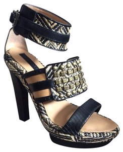 BCBGMAXAZRIA Black/Sahara Sandals