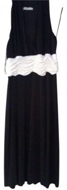 Preload https://item1.tradesy.com/images/evan-picone-black-and-cream-white-knee-length-cocktail-dress-size-16-xl-plus-0x-144920-0-0.jpg?width=400&height=650