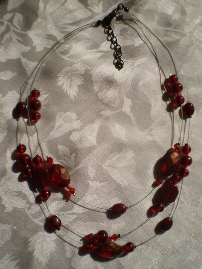 Unknown Like new Garnet Red Necklace