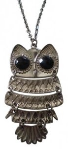 Body Central Owl on long silver chain necklace