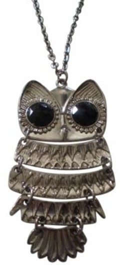 Preload https://img-static.tradesy.com/item/144927/body-central-owl-on-long-silver-chain-necklace-0-0-540-540.jpg