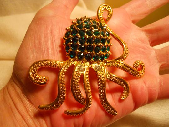 Other large octopus pin with emerald green rhinestones Image 5