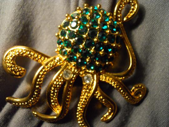 Other large octopus pin with emerald green rhinestones Image 8