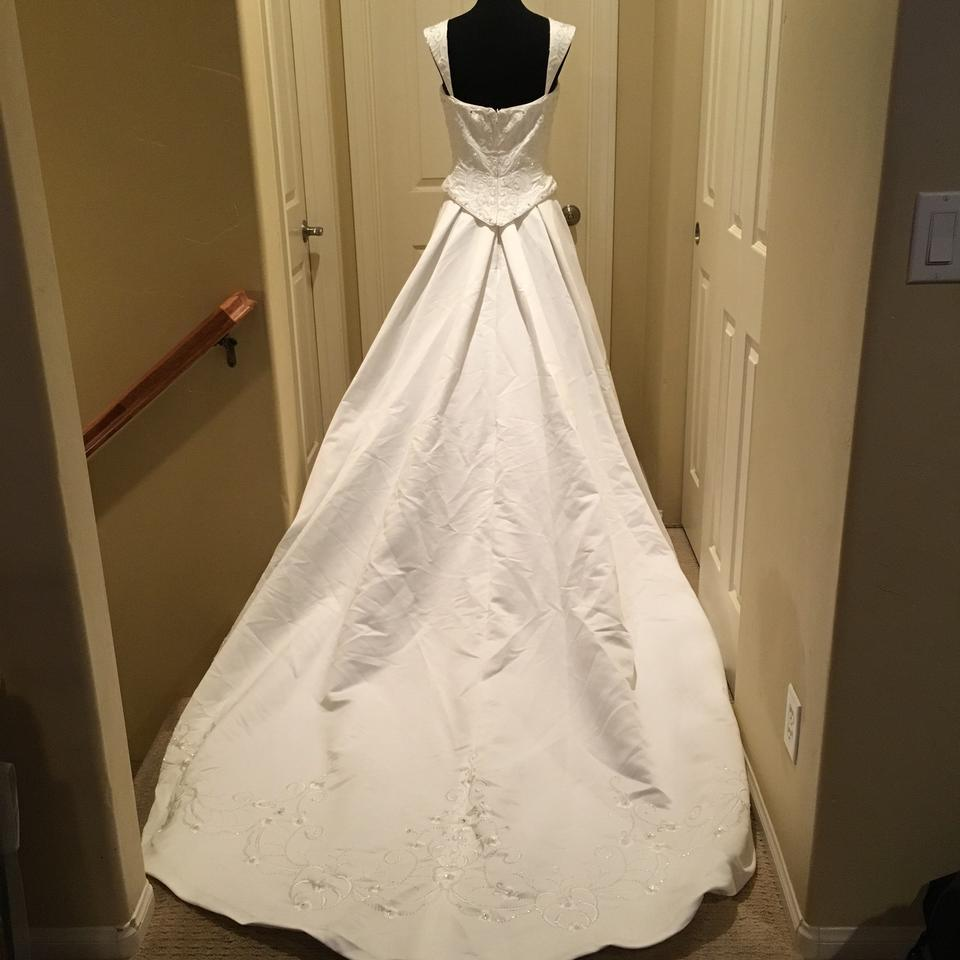 White polyester traditional wedding dress size 10 m for Size 10 wedding dress