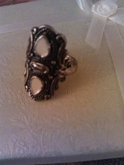 Vintage Vintage creme brass Victorian Style Antique Ring