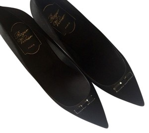 Roger Vivier Black Pumps
