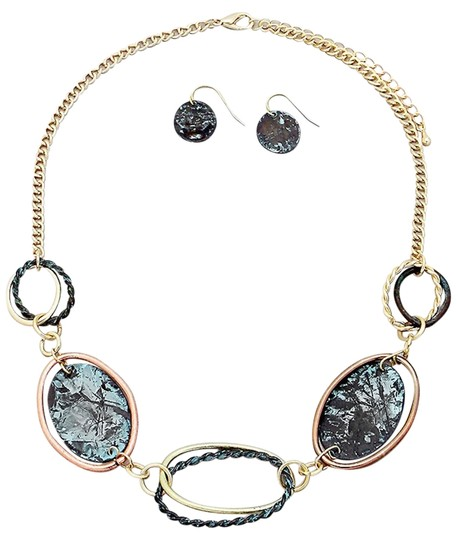 Preload https://item2.tradesy.com/images/handmade-patina-links-necklace-and-earrings-set-1450821-0-0.jpg?width=440&height=440