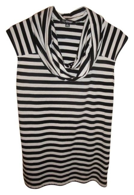 Preload https://item2.tradesy.com/images/blackwhite-stripes-classic-tunic-size-4-s-14511-0-0.jpg?width=400&height=650