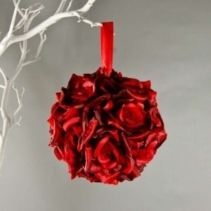 Red Lot Of 10 Kissing Balls Never Used Free Shipping More Available Wholesale Kissing Balls Kissing Ball Aisle Ceremony Decoration