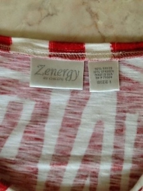 Chico's Zynergy/ T Shirt Red and white