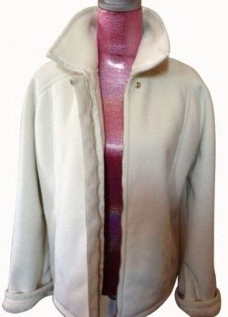 Preload https://item2.tradesy.com/images/st-john-white-sport-shearling-coatfaux-shearling-lined-smallsleeves-roll-up-to-reveal-furry-lining-f-145166-0-0.jpg?width=400&height=650