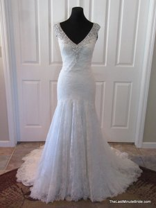 Ella Bridals Ivory Silver Lace 1582 Feminine Wedding Dress Size 12 (L)