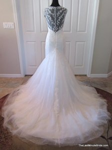 Pronovias Lanice Wedding Dress