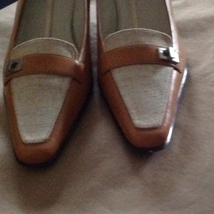 Anne Klein Tan Pumps
