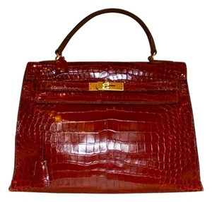 Hermès Vintage Crocodile Alligator Kelly Handbag Tote in BURGUNDY RED