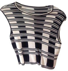 Aeffee Spa Checkered Top Black & White