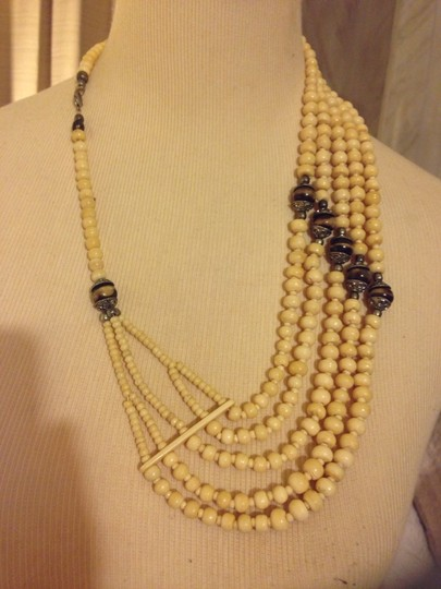 H&M Wear It Many Different Ways Necklace