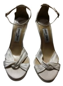 Jimmy Choo 4 In Heel Stiletto Studded Closures Drape Crpe De Chine Luxurious And Comfortsble Painless White Sandals