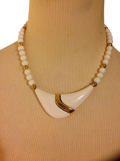 Preload https://item4.tradesy.com/images/white-gold-beaded-necklace-1453193-0-0.jpg?width=440&height=440