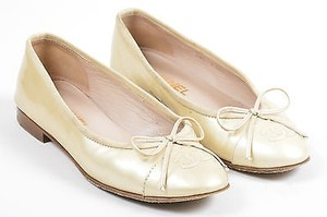 Chanel Patent Leather Beige Flats