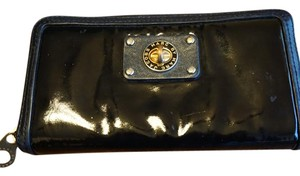 Marc Jacobs Marc Jacobs Wallet with turn lock