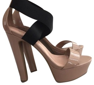 Jessica Simpson Tan/black Platforms