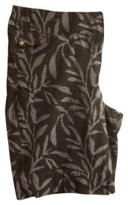 Croft & Barrow Silver Rivets Stretch Comfortable Floral Bermuda Shorts Black/White