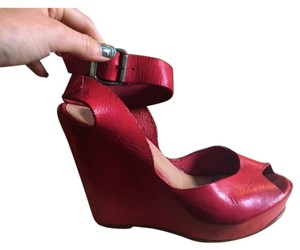 Sixtyseven Red Wedges