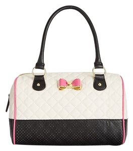 Betsey Johnson Satchel in cream/black