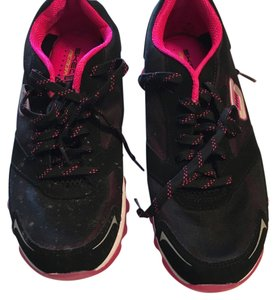Skechers Skech Cross Trainer Sport Sneaker Black with hot pink Athletic