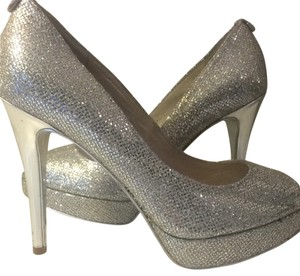 03e87062b Women's Silver Michael Kors Shoes - Up to 90% off at Tradesy