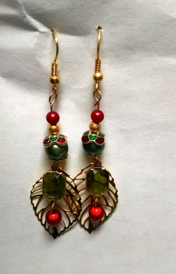Other New Christmas Leaf Earrings Dangle Green Red Gold J440