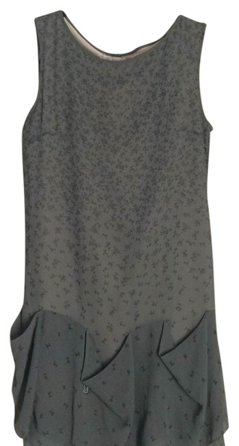 Item - Gray Above Knee Short Casual Dress Size 6 (S)