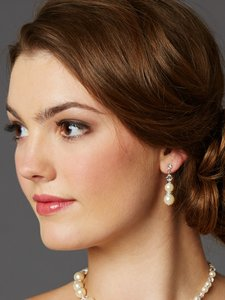 Mariell Light Ivory Glass Pearl Bridal Earrings With Rondels & Stud Top 4080e-lti-cr-s