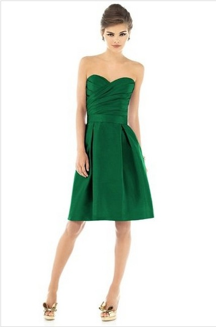 Item - Pine Green Polyester D538 Formal Bridesmaid/Mob Dress Size 6 (S)