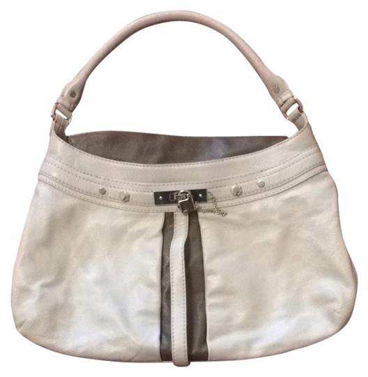Preload https://item5.tradesy.com/images/marc-by-marc-jacobs-lock-it-up-camille-off-white-leather-hobo-bag-1456784-0-0.jpg?width=440&height=440