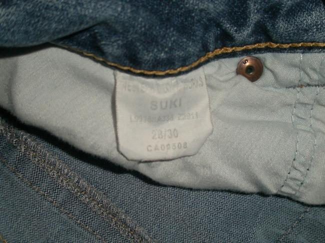 Silver Jeans Co. Very Good Condition * 5 Pocket Style * Zip Fly * Distressing-marking & Whiskering Detail * Leg Opening * Signature Back Boot Cut Jeans-Medium Wash