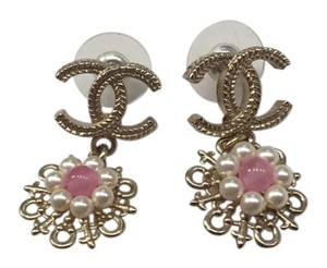 Chanel New Authentic chanel pink flower earrings