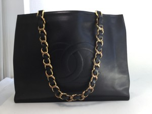 Chanel Cc Leather Tote in Black