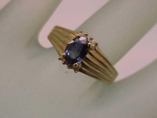Other Estate Vintage 14k Yellow Gold Genuine Blue Sapphire & Diamonds Ring Image 1