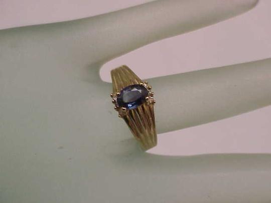 Other Estate Vintage 14k Yellow Gold Genuine Blue Sapphire & Diamonds Ring Image 2