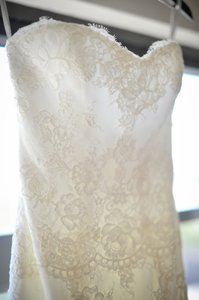 Monique Lhuillier White Lace Embroidered Trumpet Formal Wedding Dress Size 2 (XS)
