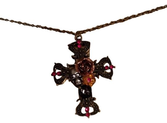 Preload https://item3.tradesy.com/images/bronze-fancy-skull-and-flowers-pendant-necklace-1457987-0-0.jpg?width=440&height=440