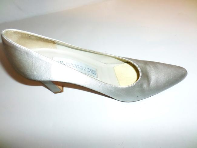 Item - Silver/Grey Silk Dyeable Pumps Size US 8 Regular (M, B)