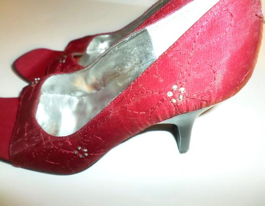 Enzo Angiolini Red fabric Pumps Image 2
