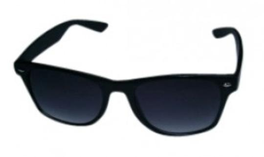 Preload https://item1.tradesy.com/images/urban-outfitters-black-wayfarer-sunglasses-145810-0-0.jpg?width=440&height=440
