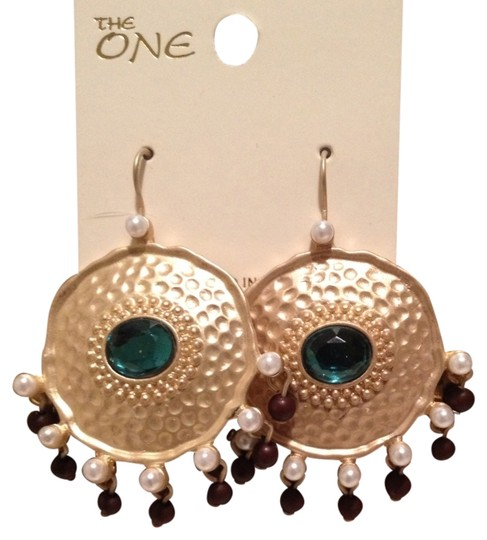 the one Round Shape Earrings