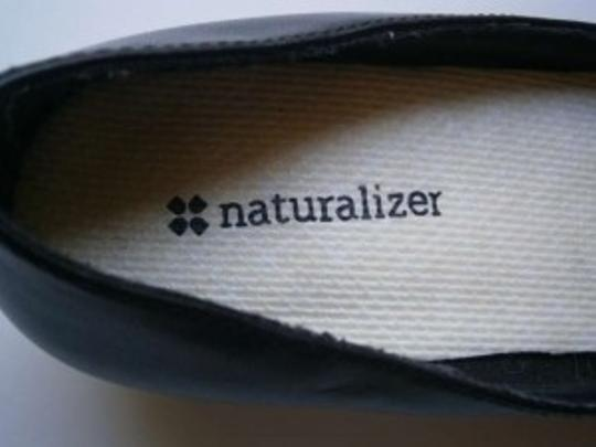 Naturalizer Royal (Black) Pumps