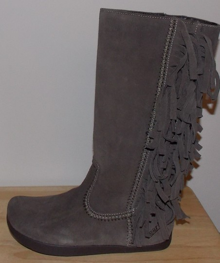 Earth taupe brown Boots